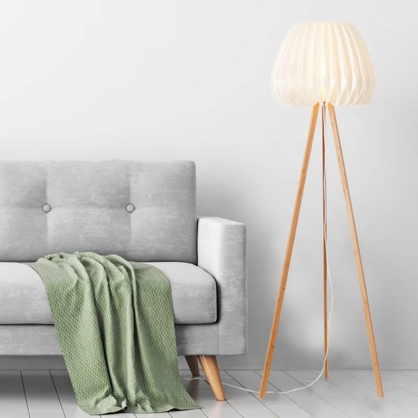 Dreibeinige Stehlampe mit Fußschalter, 1,50 m, 1x E27 max. 60 Watt aus Bambus / Kunststoff mit weißem Schirm