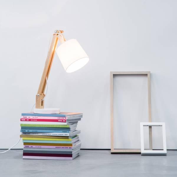 Moderne Holz Tischleuchte mit Textilschirm, 1x max. 40W E14, Metall / Holz / Textil, holz hell / weiß