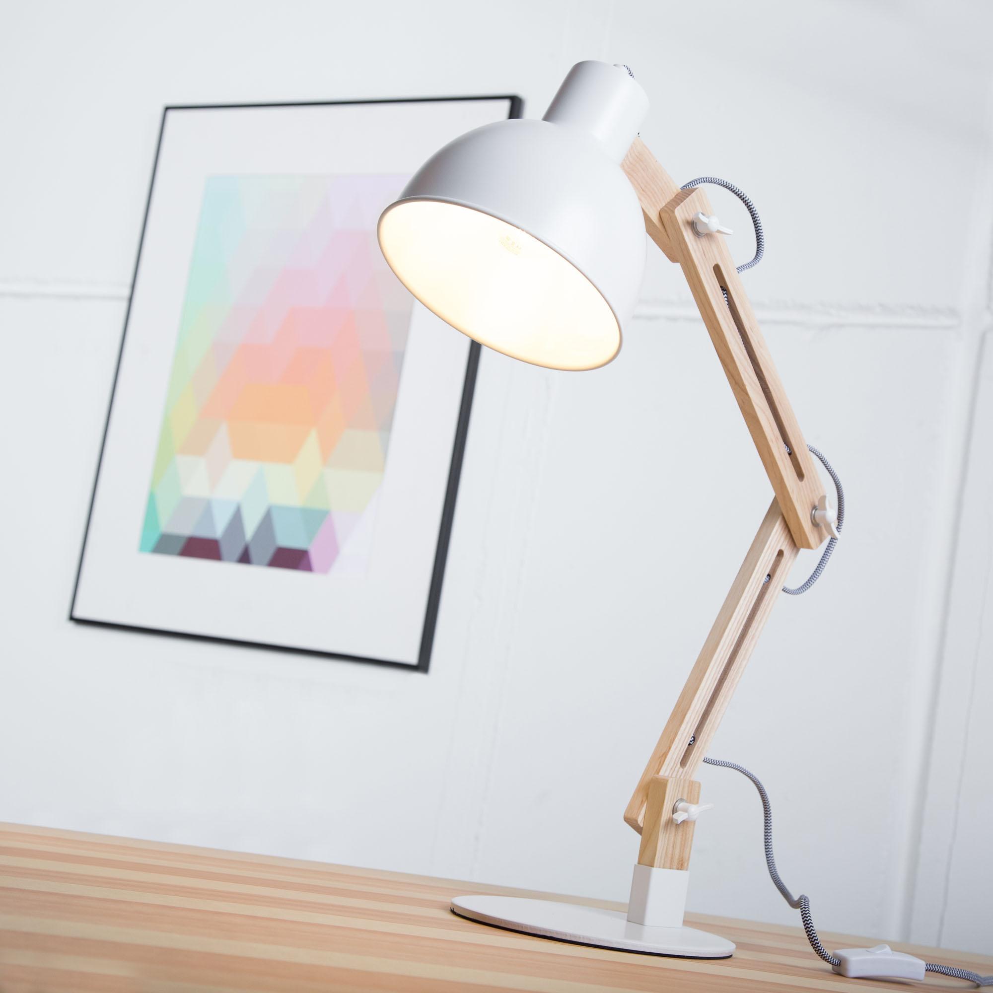 Moderne Tischleuchte Im Nordic Design Mit Textilkabel Und Gestell Aus Holz,  1x E14 Max. 40W, Metall / Holz, Holz Hell / Weiß | Lightbox Leuchten  Onlineshop
