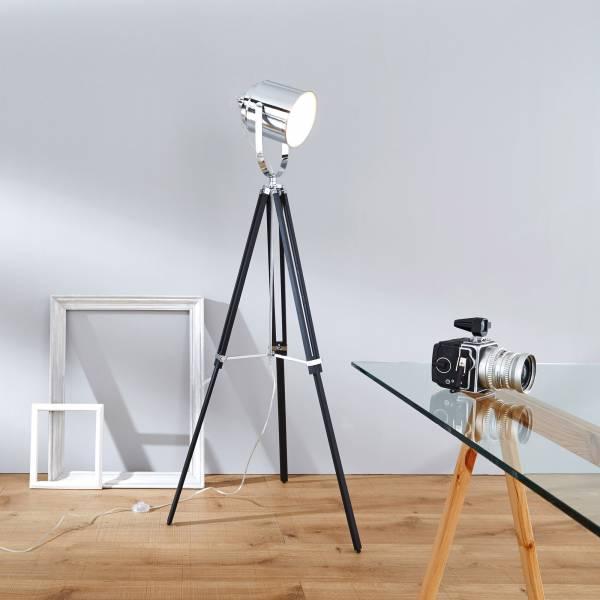 Moderne Standleuchte, Gestell dreibeinig Holz, Schirm Metall chrom, 1x E27 max. 60W, Metall / Holz, chrom / schwarz